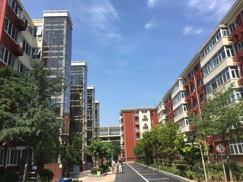 """北京:""""十四五""""力争完成2000年底前建成的老旧小区改造"""